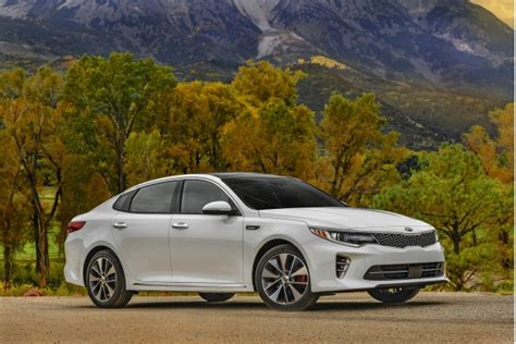 Compare Kia Optima To Hyundai Sonata Hyundai Sonata Vs Kia Optima Compare Cars
