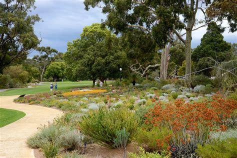 Washington Botanical Gardens Botanic Gardens And Parks Authority About Wa Botanic Garden