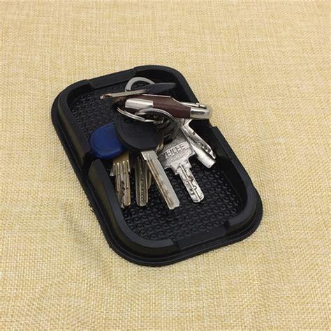 Dashmat Anti Slip Sticky Pad Mobil Bmw X1 X5 X6 318 320i 328 520 528 bmw phone holder promotion shop for promotional bmw phone