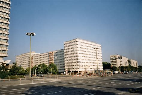 Lookups Are Made Possible By This Domain File Statistisches Bundesamt Alexanderplatz Berlin Jpg Wikimedia Commons