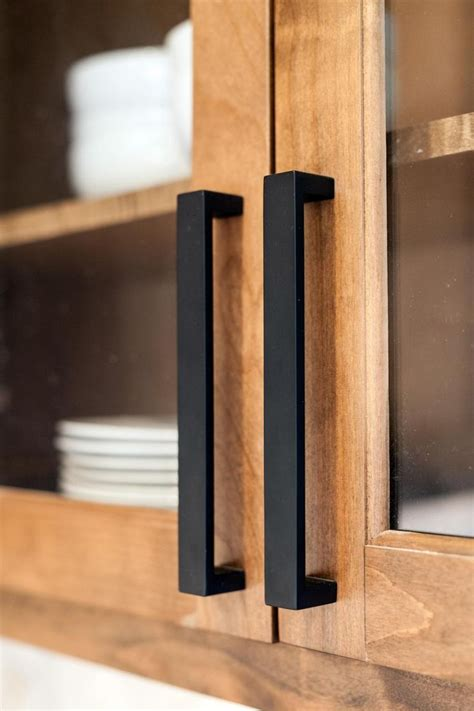 Black Pull Handles Kitchen Cabinets Best 25 Kitchen Cabinet Hardware Ideas On Kitchen Cabinet Pulls Kitchen Hardware