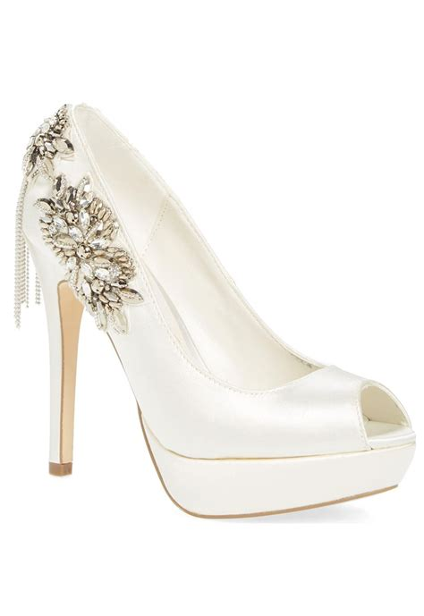Wedding Shoes Embellished by Embellished Wedding Shoes 28 Images 18 Gorgeously