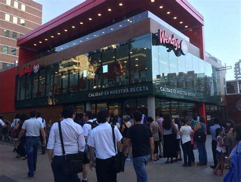 primera cadena de comida rapida en chile tuiteros festinaron con largas filas en la inauguraci 243 n