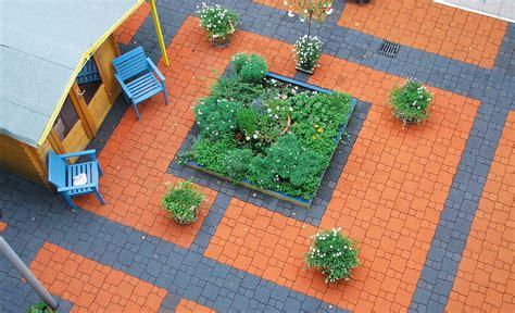 Betonplatten Streichen Terrasse by Pflastersteine Streichen Steinterrasse Selbst De