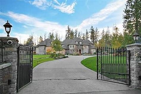 richard sherman house richard sherman buys jamal crawford s seattle area mansion