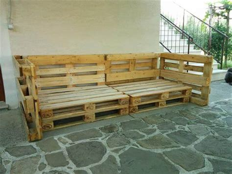 how to build pallet couch diy pallet outdoor sofa with cushion 99 pallets