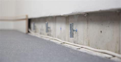 Kabels Wegwerken Plint by Comfortplint Kabelgoot In De Voet De Muur