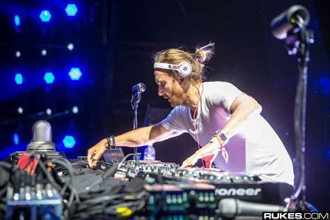 David Guetta 2 listen to justin bieber david guetta s collaboration 2 u