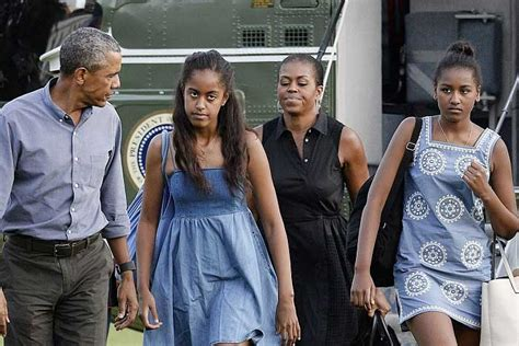 what on earth obamas are moving to hawaii in january 2013 obama s family stabs him in the back reveals the truth