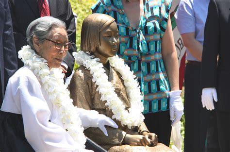 korean comfort women statue california city unveils memorial statue of korean comfort