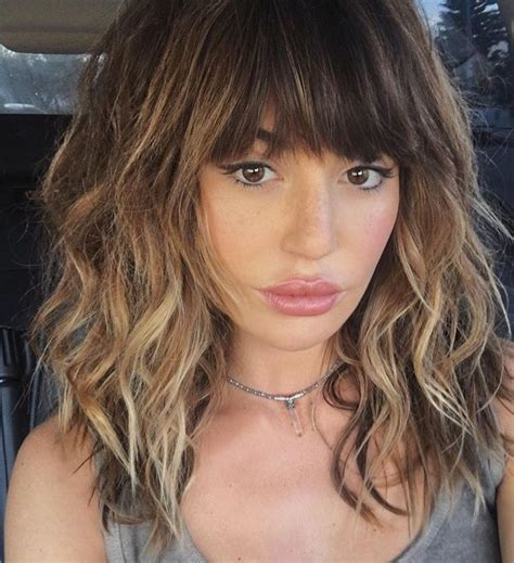 mid length crop hairstyles best 20 fringe bangs ideas on pinterest bangs long hair