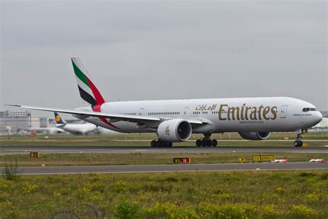 emirates germany emirates a6 ebc boeing 777 300 er 15 09 2014 fra eddf