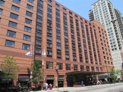 inn in chicago embassy suites chicago downtown hotels near side