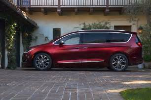 Pacific Chrysler Reinventing The Minivan Chrysler Betting Big On The 2017