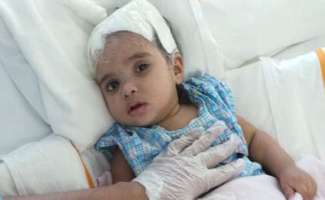 baby falls off bed baby blinded after falling off bed at dubai home
