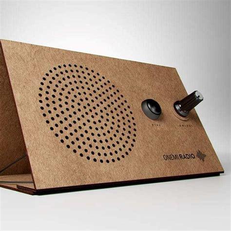 medios de comunicacion hecho con material reciclado onemi una radio solar de cart 243 n para emergencias dise 241 ada