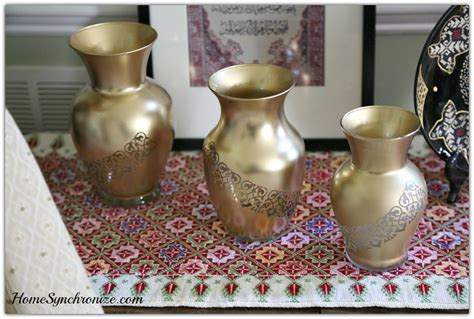 Spray Paint Glass Vase by Create An Alluring Arabesque Gold Vase In Just 3 Steps