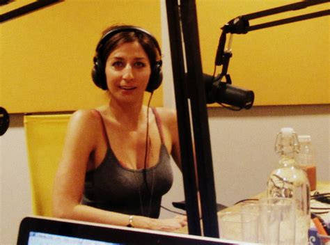 chelsea peretti and lauren lapkus youtube phenomahna episode 322 of comedy bang bang the
