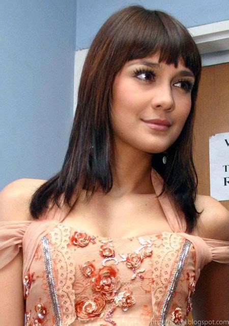 luna maya artis seksi indonesia crazy blogs