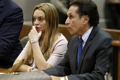 Lohan Criminal Record Lindsay Lohan S Criminal Record Is Ironically Clean To Qualify For Lockdown Rehab