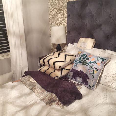 bed with a lot of pillows 100 bed with a lot of pillows 516 best bedding