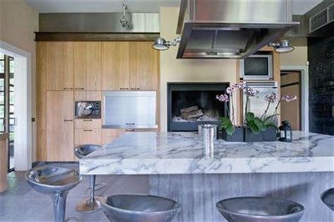 la cuisine cr駮le cree sa cuisine meubles de cuisine en bois de palettes de