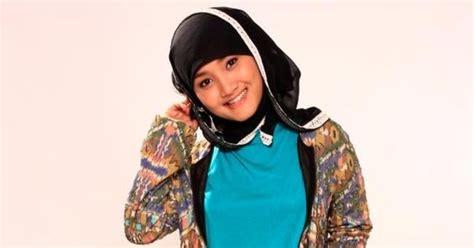fatin hold me lagu terbaru lirik lagu fatin shidqia aku memilih setia aga kewl
