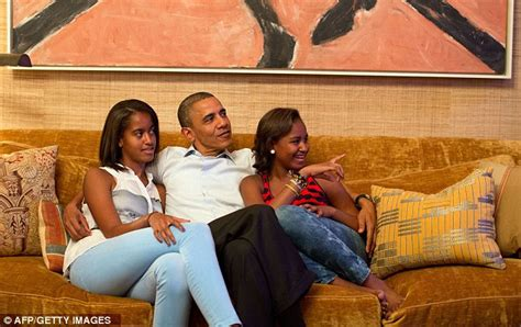 malia and sasha obama bedrooms michelle obama s heartfelt speech opens democratic