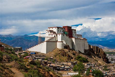 picture of shigatse dzong