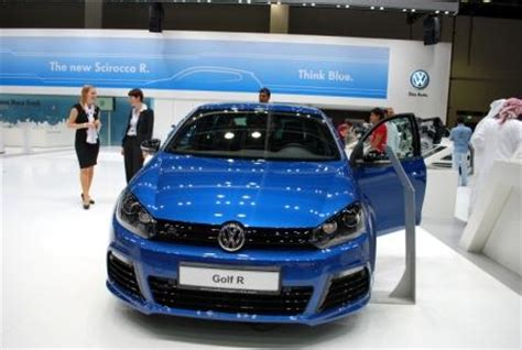 volkswagen dubai volkswagen dubai roadshow and desert clean up closer to