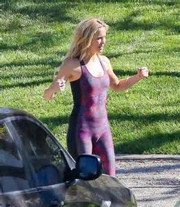 Kate hudson doing a sexy photoshoot for her fabletics line of sports
