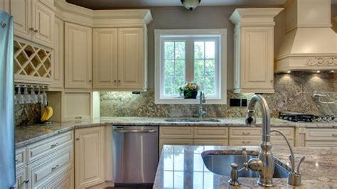 Creme Maple Glaze Cabinets Gallery Cabinets Countertops In Milwaukee And