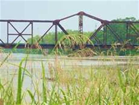 trinity swing trinity river railroad swing bridge trinity county texas