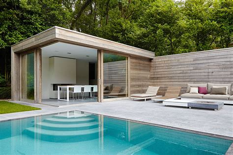 Modern Home Living modern poolhouse in padoek bogarden