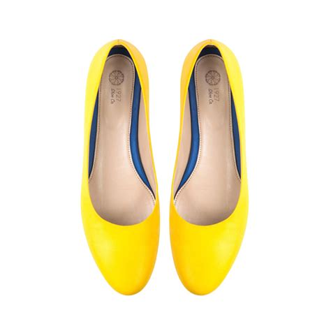 flat yellow shoes womens shoes yellow shoes yellow flats shoes shoes