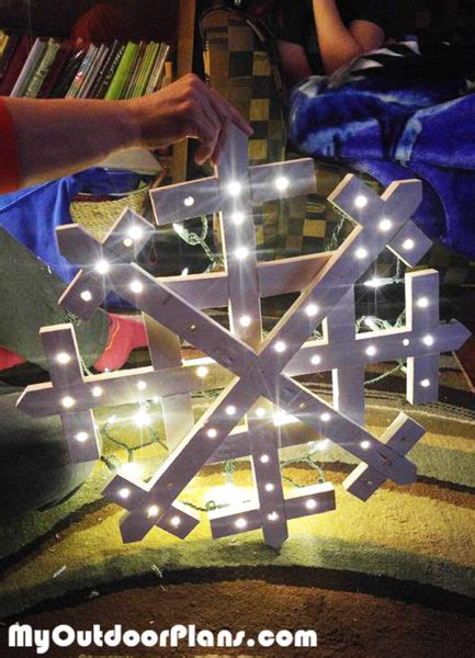 diy wood snowflake myoutdoorplans  woodworking