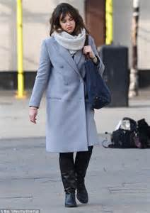 Double Frame Bed Felicity Jones Looks Unrecognisable In London Daily Mail