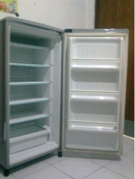 jual kulkas freezer toshiba henny ratnasari