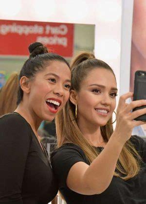 mkaeup makeover nj jessica alba surprises target guests with honest beauty
