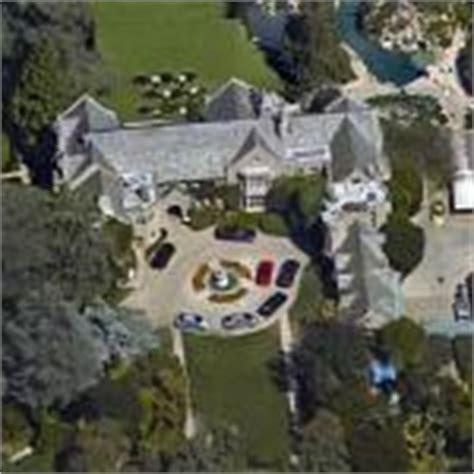 guaranteed playboy mansion address contact hugh hefner satellite maps google bing street view birds eye
