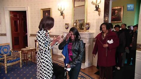 obama white house tour first lady surprises white house tour visitors youtube