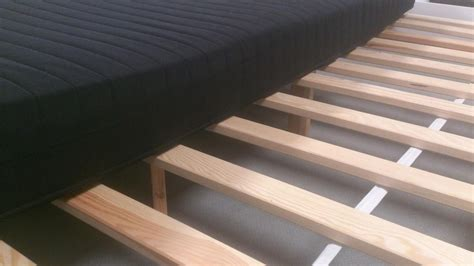 futonbett mit lattenrost und matratze bett futonbett wei 223 schwarz mit rollrost und matratze