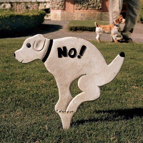 dog poop backyard no pausing pooch lawn sign