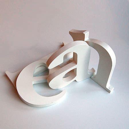 kinderzimmer deko buchstaben kinderzimmer abc holzbuchstaben alphabet buchstabe