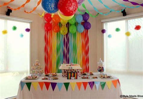 decorar pared con globos y papel crepe c 243 mo decorar cumplea 241 os infantiles con papel crepe y