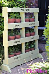 Garden Ideas With Pallets How To Make An Herb Garden From A Pallet Pinkwhen