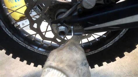 Motorrad Kette Montieren by Motorrad Motorrad Kette Nachspannen