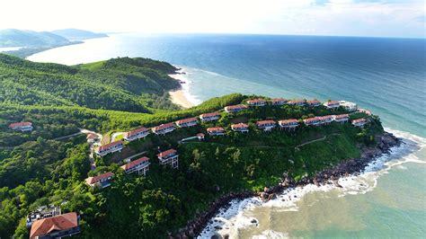 best resorts in the world laguna l艫ng c 244 banyan tree l艫ng c 244 the 50 best resorts