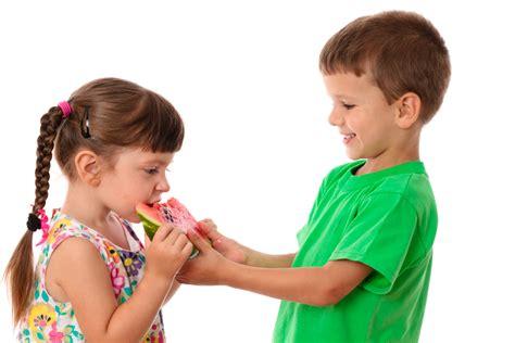 Imagenes De Niños Jugando Y Compartiendo | related keywords suggestions for nino compartiendo comida