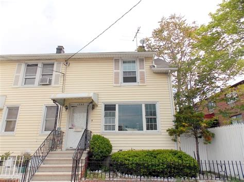 single family home for sale in westchester square bronx ny